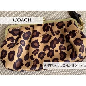 Coach Wristlet Leopard Animal Print
